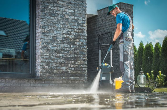 Lake worth pressure washing contractor